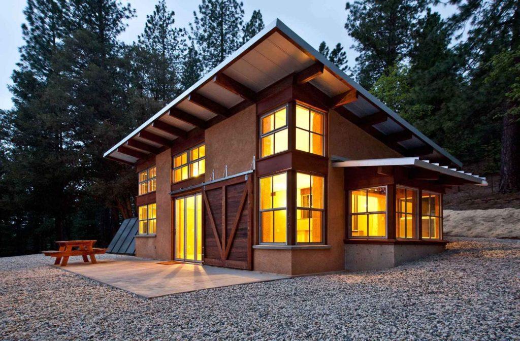 летний домик с односкатной крышей